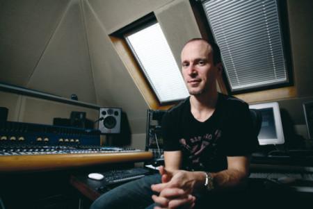 Murray Gold w swoim domowym studio nagraniowym na północy Londynu
