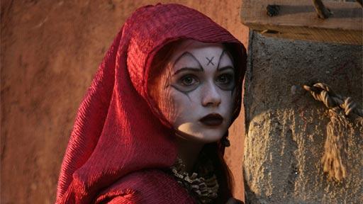 """Karen Gillan w """"Ogniach z Pompejów"""""""
