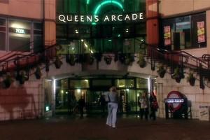 Queens Arcade udaje Londyn w odcinku Rose