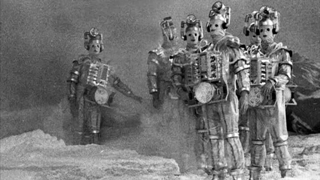 Według plotek to w odcinku napisanym przez nową scenarzystkę mają się pojawić Cybermeni.