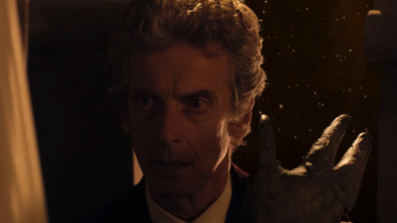 Dwunasty Doktor i monstrum w odcinku Dar Niebios