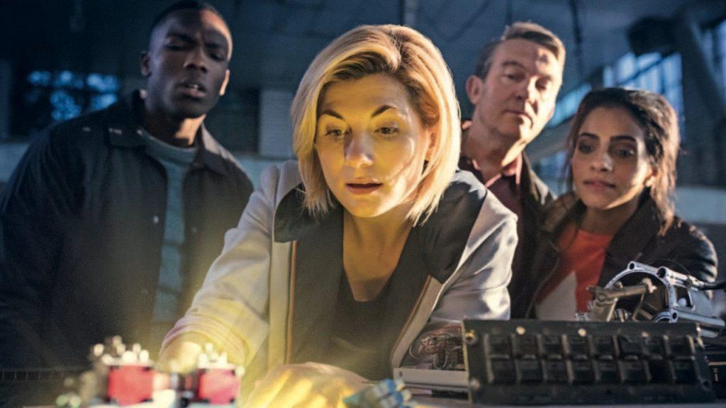 Ekipa TARDIS: Trzynasta Doktor, Ryan, Graham i Yaz.