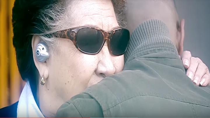Mickey Smith i jego babcia w alternatywnym świecie