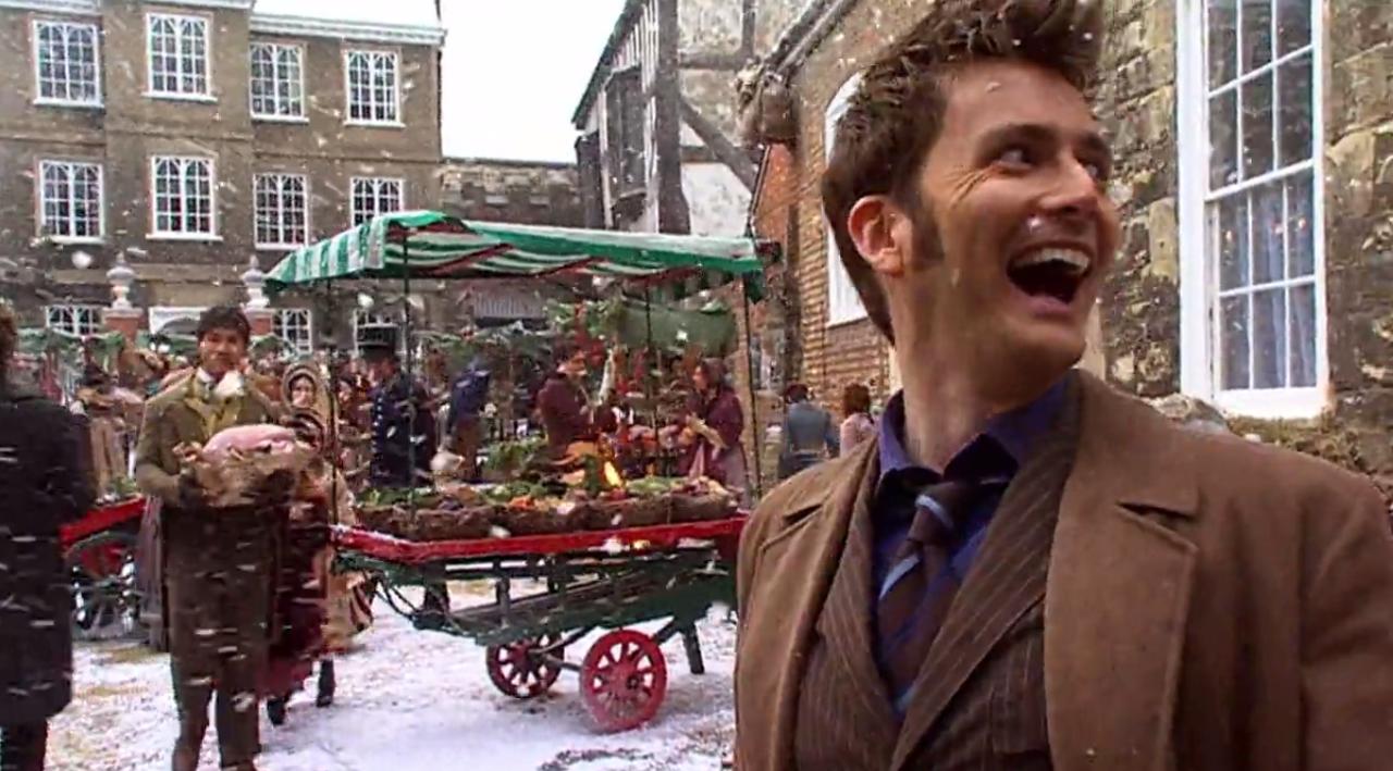 Dziesiąty Doktor na targu bożonarodzeniowym w wiktoriańskiej Anglii.