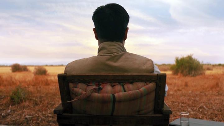 Sacha Dhawan na australijskiej pustyni w Spyfall