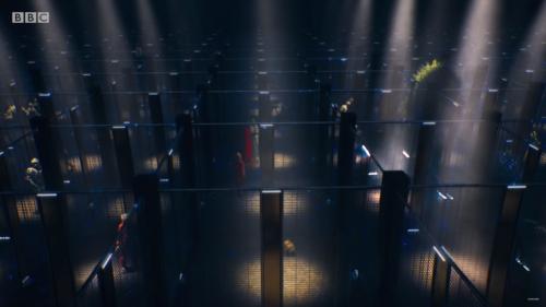 Fragment trailera odcinka Revolution of the Daleks przedstawiający więzienie