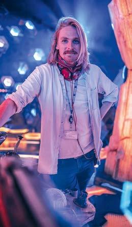 Jamie Magnus Stone w TARDIS, jeden z reżyserów serii 13